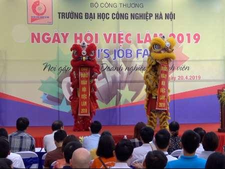 Ngày hội việc làm với gần 10.000 cơ hội việc làm cho sinh viên Đại học Công nghiệp Hà Nội