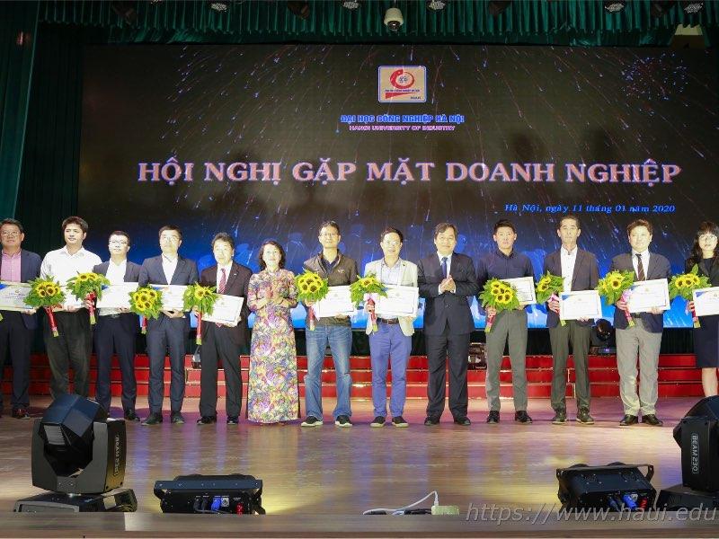 Tổng kết hoạt động hợp tác doanh nghiệp tại Đại học Công nghiệp Hà Nội