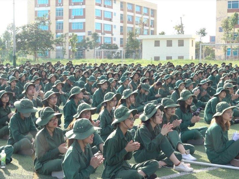 1.100 sinh viên ĐH Kinh tế Quốc dân hoàn thành chứng chỉ GDQP&AN tại Trung tâm QPAN Trường ĐHCNHN